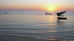 Arhipelagul Bazaruto (Mozambic)  Frumusetile Africii in 25 de poze deosebite - partea 2 - galerie foto.  Vezi mai multe poze pe www.ghiduri-turistice.info  Sursa : http://en.wikipedia.org/wiki/File:View_east_towards_a_Bazaruto_Archipelago_island.JPG