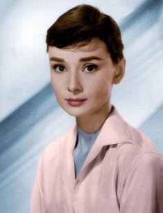 Audrey Hepburn by AndyBagira