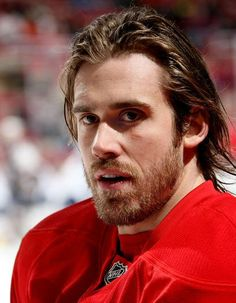 Man of the Day Henrik Zetterberg Hot Hockey Players, Hockey Goalie, Soccer, Detroit Sports, Sports Teams, Indiana Girl, Red Wings Hockey, Hockey Season, Home Team