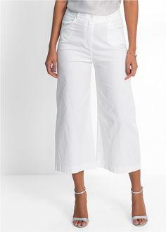 7/8 Strečové nohavice značky BODYFLIRT, veľmi vzdušné vďaka širokému strihu nohavíc, veľmi príjemné na nosenie počas teplých dní, 2 bočné vrecká a 2 ozdobné vrecká na zadnej strane dopĺňajú ich módny vzhľad.