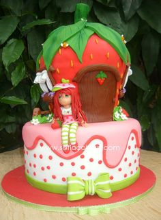 STRAWBERRY SHORTCAKE Strawberry Shortcake Birthday Cake, Vintage Strawberry Shortcake Dolls, Strawberry Cakes, Birthday Cake Girls, Birthday Cakes, Brownie Cake, Character Cakes, Girl Cakes, Strawberries