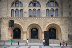 Centrum Kultury Zamek - identyfikacja, wejście