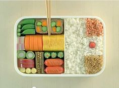 http://justbento.com    A blog that's all about Bento Boxes, which are Japanese lunch boxes. Includes recipes and resources.