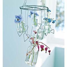 Hängekranz mit Mini-Glasvasen  http://www.impressionen.de/shop/produkt/haengekranz/4252993