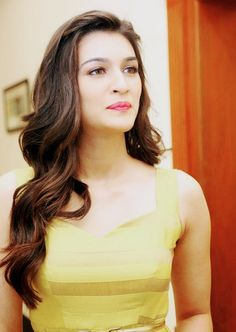 Ooooo my god The hotty😘😘😍😍 Beautiful Bollywood Actress, Beautiful Indian Actress, Beautiful Actresses, Actress Anushka, Hindi Actress, Bollywood Stars, Bollywood Fashion, Indian Models, Indian Celebrities