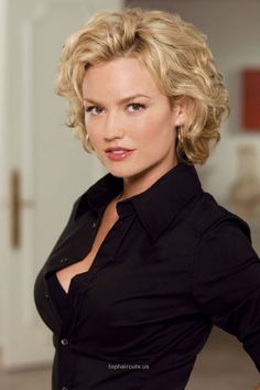 Curly Hairstyles For Women Over 40 Over 40 Hairstyles Medium Hair Styles Short Curly - hairstyles women hairdos hairstyles women medium Over 40 Hairstyles, Short Curly Hairstyles For Women, Square Face Hairstyles, Short Curly Bob, Curly Bob Hairstyles, Short Hair Cuts, Cool Hairstyles, Black Hairstyles, Short Curls