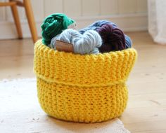 Yarn basket - free knitting pattern - Pickles