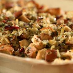 Prosciutto and Pear Stuffing Recipe – 4 Points – LaaLoosh - Thanksgiving Recipes Stuffing Recipes, Cornbread Stuffing, Vegetarian Stuffing, Vegetarian Picnic, Apple Stuffing, Healthy Picnic, Picnic Snacks, Picnic Dinner, Beef