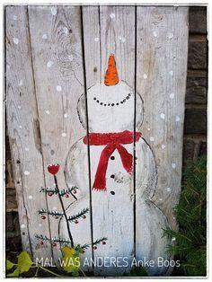 Glücklicher Schneemann - #Shabbychic #Schneemann #Snowman #winter #Winterdeko #Weihnachten #Christmas #Treibholz #Weihnachtsdeko #paletten #Handmade #Malwasanderes - https://www.facebook.com/Mal-was-anderes-360059960828712/