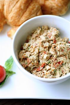 Pesto Tuna Salad with Sun Dried Tomatoes | The Curvy Carrot Pesto Tuna Salad with Sun Dried Tomatoes | Healthy and Indulgent Meals Dangling in Front of You