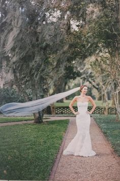 Brides, Wedding Dresses, Flowers, Fashion, Bride Dresses, Moda, Bridal Gowns, Fashion Styles