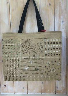 ・・・・・・・・・・・・・・Sakura work home Embroidery Purse, Pillow Embroidery, Fabric Handbags, Fabric Bags, Shashiko Embroidery, Japanese Bag, Diy Tote Bag, Tapestry Bag, Craft Bags