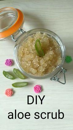 Body Scrub Recipe, Diy Body Scrub, Sugar Scrub Recipe, Diy Scrub, Natural Body Scrub, Sugar Scrub Homemade, Homemade Skin Care, Diy Skin Care, Simple Sugar Scrub