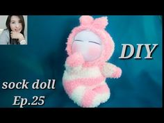 How to make a yarn/wool dog. Shih Tzu - Free Online Videos Best Movies TV shows - Faceclips Diy Sock Toys, Sock Crafts, Diy Dolls From Socks, Diy Doll Pattern, How To Make Socks, Diy Xmas Gifts, Gilet Crochet, Baby Shower Crafts, Handmade Stuffed Animals
