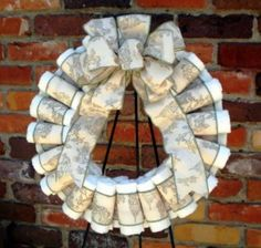 How to make a baby diaper wreath (Image by Bibilane on Etsy)