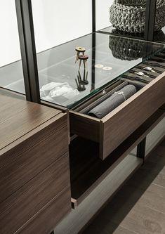 Lema - Hangar walk in wardrobe with glass top