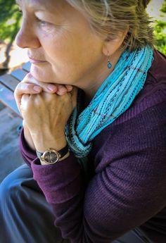 Beautiful watch and earrings combo