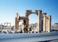 http://www.migladin.com/migtravel/Palmyra_1994_0415