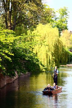 Student Tours to Cambridge with UK Study Tours Punting on the river, Cambridge