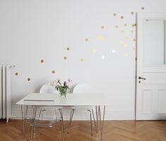 **Für alle unter euch die Punkte lieben, haben wir das perfekte Wohnaccessoire - unsere Wandsticker Große Punkte 18 Stück!**  Ihr habt keine Lust mehr auf einfaches Weiß an euren Wänden und...