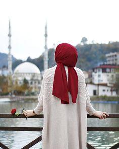 Image in Hijab 🧕 collection by on We Heart It Casual Hijab Outfit, Hijab Chic, Hijab Dress, Hijabi Girl, Girl Hijab, Hijab Stile, Modele Hijab, Islam Women, Hijab Cartoon