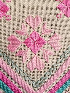 Beautiful retro turquoise/offwhite/pink embroidered tablecloth in mint condition. Spotless. The size is: 27 x 10 The material is linen, cottonthread. I allso offer combined shipping and refund if the shipping cost is overpaid. Contact me if you have questions Thank you for visit my