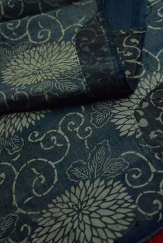 "Etsy のEAD18/95 Vintage Japanese Fabric Cotton Momen Antique Boro Patch Indigo Blue KATAZOME 62.9""(ショップ名:WantiquesStyle305)"