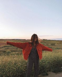 Aesthetic landscape city sky forest flowers clouds travel around the world nature vacation ideas water river sea view sunset sunsrise country side grass field flowers vibes goals vibez Summer Aesthetic, Aesthetic Photo, Aesthetic Girl, Orange Aesthetic, Fitness Aesthetic, Workout Aesthetic, Insta Photo Ideas, Insta Pic, Selfie Foto