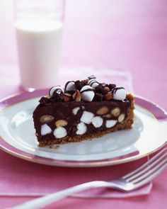 "See the ""Rocky Road Tart"" in our Chocolate Pies and Tarts gallery Chocolate Ganache Tart, Chocolate Pies, Chocolate Recipes, Chocolate Pudding, Tart Recipes, Sweet Recipes, Dessert Recipes, Just Desserts, Delicious Desserts"