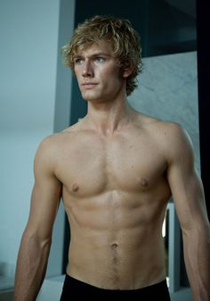 Picture: Alex Pettyfer shirtless in 'Beastly.' Pic is in a photo gallery for Alex Pettyfer featuring 51 pictures. Dianna Agron, Liam Hemsworth, Teresa Palmer, Jace Lightwood, Historischer Roman, I Am Number Four, Hommes Sexy, Matthew Mcconaughey, Shirtless Men
