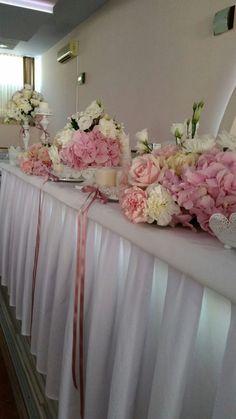 Beautiful wedding. beautiful bride. decoration wedding. The wedding ceremony. Flowers. Fresh flowers. A bouquet for wedding