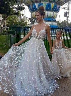 White v neck tulle long prom dress, white evening dress - Welt der Hochzeit Wedding Dress Styles, Dream Wedding Dresses, Wedding Gowns, Lace Wedding, Weeding Dress, Unique Prom Dresses, Wedding Beach, Gothic Wedding, Wedding White
