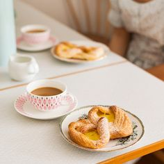 Love the pink pattern on the teacup, belonging to Gothenburg, Sweden-based clothing designer, Lisa Marie Andersson. Photographer by Sofia Bystrom.