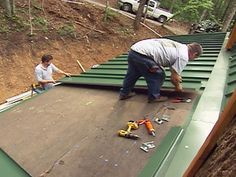 DIY experts demonstrate how to install a metal roof, which helps conserve energy by reflecting heat in the summer, saving owners up to 40 percent on energy costs and making for a more eco-friendly building practice. Diy Roofing, Steel Roofing, Remodeling Mobile Homes, Home Remodeling, Basement Renovations, Trailer Casa, Metal Roof Panels, Metal Roof Installation, Cabana