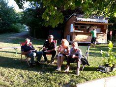 In der Gartenbauschule Langenlois stärkten sich die Besucher mit leckeren Snacks und kühlen Getränken, bevor das Mondscheinkino im Garten begann. Fotocredit: Gartenbauschule Langenlois
