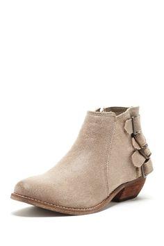 HauteLook Short. Cute. Boot.