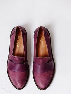 Merit loafer skip-on in Berry