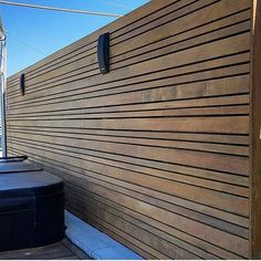 Love that IPE! with ・・・ - ipe decorative screen Ipe supplied by Ranch Exterior, Decorative Screens, Slat Wall, Backyard Patio, Patio Ideas, Backyard Ideas, Carpentry, Blinds, Outdoor Living