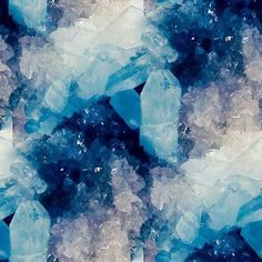 Shades of blue - crystals Blue Crystals, Crystals And Gemstones, Stones And Crystals, Glow Stones, Anders Dragon Age, Foto Poster, Everything Is Blue, Aesthetic Colors, Blue Aesthetic Grunge