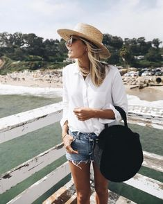 """11k Likes, 92 Comments - Jacey Lenae Duprie (@damselindior) on Instagram: """"Pondering a move to Malibu. #iloveithere #beach #ootd"""""""