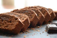 Ingrediente: 100g unt 100g ciocolată 100g zahăr brun 1 ou 1/4 păstaie vanilie 125g făină 1/4linguriță praf de copt 50ml apă Mod de preparare: 1. Untul, ciocolata, zahărul și apa se topesc pe foc mi…