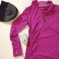 Kyodan magenta work out jacket Like new, love bold color athletic wear. This is formed perfectly to the body, easy breathing material so you can enjoy going for a cooler jog. Size P/S Kyodan Tops Tees - Long Sleeve