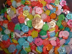 Tiny Colorful Flower Shape Buttons mix 48 pieces 2 hole sewing crafts Jewelry Scrapbook sew-on paper tag supply by kabooco on Etsy Plastic Flowers, Tiny Flowers, Amazing Flowers, Colorful Flowers, Pom Pom Trim, Straight Stitch, Embroidery Fashion, Paper Tags, Button Flowers