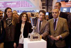 El Presidente de la Comunidad de Madrid, Ignacio González, junto a la alcaldesa de la capital, Ana Botella, preside la celebración del Día de Madrid en la Feria Internacional del Turismo Fitur.