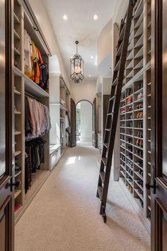 Custom Walk In & Master Closet Design Closet Walk-in, Make A Closet, Closet Bedroom, Home Bedroom, Master Bedroom, Closet Space, Closet Ideas, Bedrooms, Master Closet Design