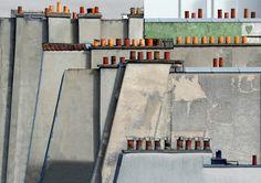 """Michael Wolf - de Schoorstenen van Parijs - more pictures on http://on.dailym.net/WjQKIW - Michael Wolf – de Schoorstenen van Parijs – DailyM – uit het omvangrijke oeuvre – de serie """"de Schoorstenen van Parijs"""" – fotografie."""