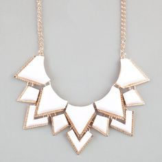 FULL TILT Facet Triangle Statement Necklace ❤ liked on Polyvore featuring jewelry, necklaces, accessories, triangle jewelry, faceted necklace, bib statement necklace, triangle necklaces and full tilt jewelry