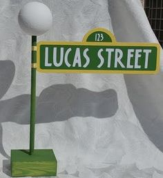Sesame Street Sign with Lamppost by auntjjsattic on Etsy Sesame Street Signs, Sesame Street Cake, Sesame Street Muppets, Sesame Street Birthday, Elmo Birthday, Boy Birthday Parties, Birthday Ideas, Seasame Street Party, Elmo World