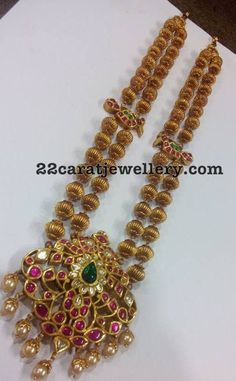 Latest Collection of best Indian Jewellery Designs. Gold Jewellery Design, Gold Jewelry, Beaded Jewelry, Pearl Jewelry, Indian Wedding Jewelry, Bridal Jewelry, Indian Bridal, Temple Jewellery, Saree Jewellery
