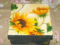 Caixa em mdf com decoupage - vendia R$35,00 Decoupage Vintage, Decoupage Box, Painted Wooden Boxes, Painted Jewelry Boxes, Dot Painting Tools, Painting On Wood, Cigar Box Crafts, Plant Box, Wine Bottle Art